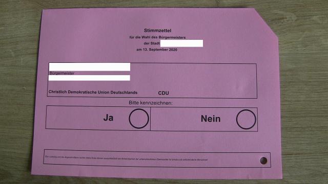 Wahlzettel mit einem Kandidaten